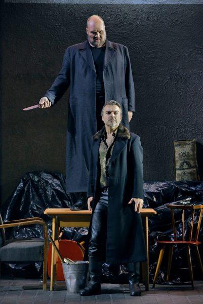 Blanker Hass: Stephen Milling als Hagen und Markus Eiche als Gunther. © Enrico Nawrath/Bayreuther Festspiele