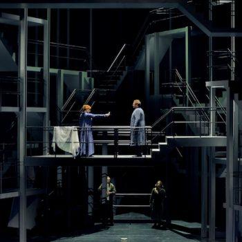 Mehr Leidenschaft: Petra Lang als Isolde und Stephen Gould als Tristan im ersten Akt. © Enrico Nawrath/Bayreuther Festspiele