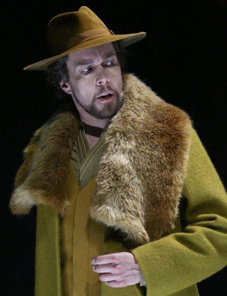"""Auch fies kann Georg Zeppenfeld. Die Rolle als König Marke in Tristan und Isolde singt und spielt er überzeugend, """"aber ich präferiere sie nicht"""". © Enrico Nawrath/Bayreuther Festspiele"""