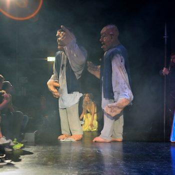 """Auftritt der Riesen im """"Ring des Nibelungen"""" für Kinder bei den Bayreuther Festspielen 2018."""