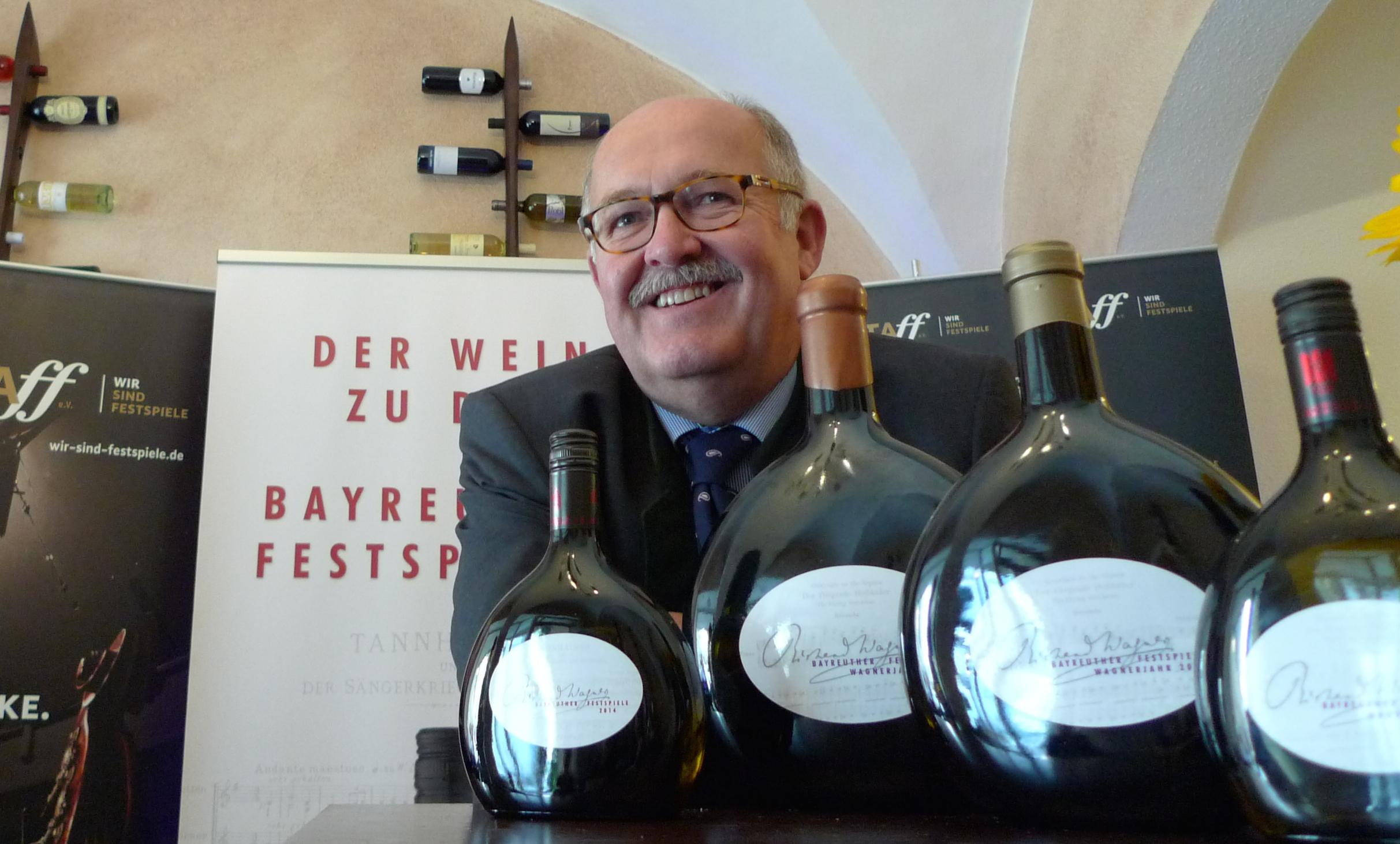 Bei der Präsentation des Festspielweins: Karl-Heinz Rebitzer, Weingutsleiter von Castell. (Foto: ek)