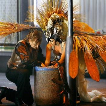 Siegfried und der prächtige Waldvogel. (Foto: Enrico Nawrath, Bayreuther Festspiele)