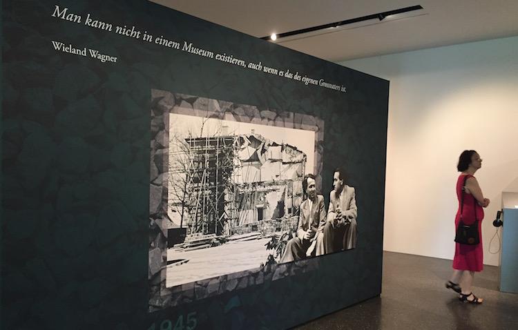"""Rückblick auf die Familiengeschichte in der Wechselausstellung """"Wahnfried oder Ärgerheim"""". © R. Ehm-Klier/festspieleblog.de"""