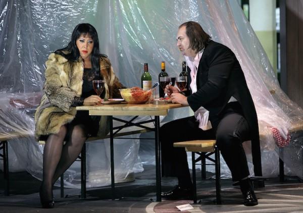 Nadine Weissmann und Wolfgang Koch in Siegfried 2015. © Enrico Nawrath/Bayreuther Festspiele