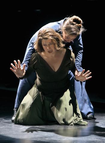 Christa Mayer und Evelyn Herlitzius in Tristan und Isolde. © Enrico Nawrath/Bayreuther Festspiele