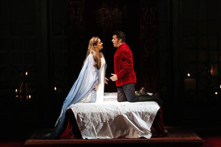 Anna Netrebko als Elsa und Piotr Beczala als Lohengrin — das Lohengrin-Traumpaar an der Semperoper Dresden.