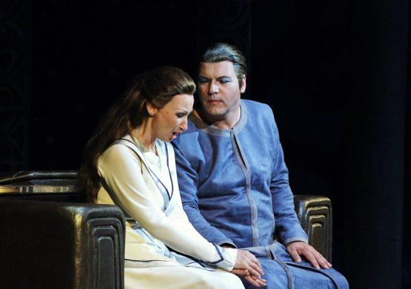 Lohengrin, Regie Wolfgang Wagner, Wiederaufnahme Katharina Wagner, Premiere 8. Juni, Nationaltheater Prag