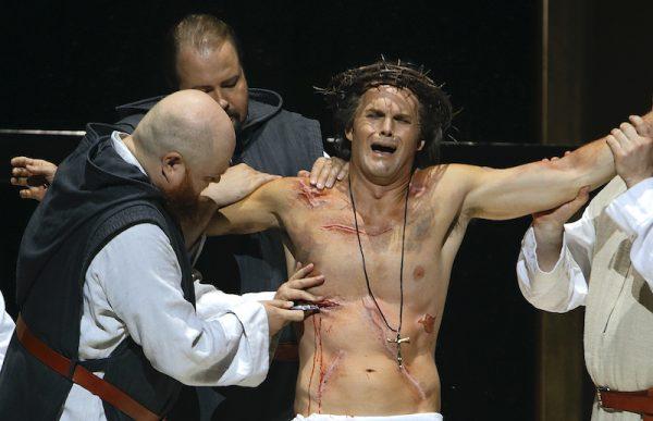 Szene aus dem ersten Akt Parsifal, Bayreuther Festspiele - Amfortas und die Wunde.