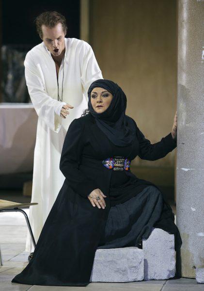 Szene aus Parsifal, Bayreuther Festspiele 2019, Kundry - Elena Pankratova - und Amfortas - Ryan McKinny