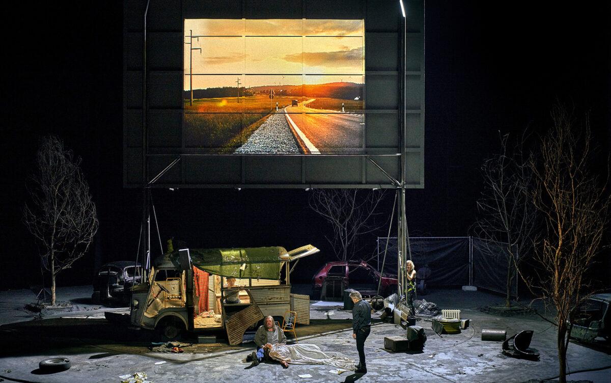 Schlussszene Tannhäuser 2021, Bayreuther Festspiele, Inszenierung von Tobias Kratzer